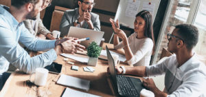 Header-Team-Talking