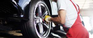 Header-Man-Repairing-Car